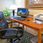 Photo de Holiday Inn Express Hotel & Suites Elkhart-South