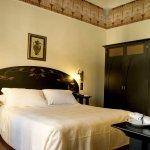Photo of Des Etrangers Hotel & Spa