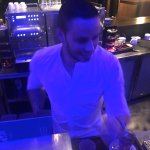 Le célèbre chef de bar