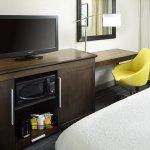 2 Queen Beds Desk Area