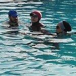 piscine pour les tunisiens pas pour les touristes!!!