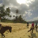 Passeio a cavalo na praia Ricon