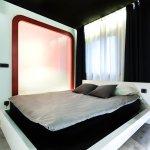 Zrooms Suites