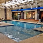 Foto de Holiday Inn & Suites Charleston West