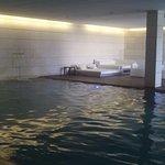 zona de Spa, piscina con diferentes chorros y cascadas