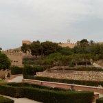 Vista de los jardines de la primera sección en que se divide la Alcazaba.