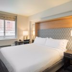 King Guestroom with Mobility Features