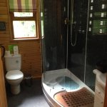 Kilcot Spa lodge shower room