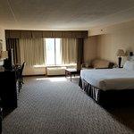Photo de Holiday Inn Enfield-Springfield