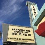 Avo Playhouse resmi