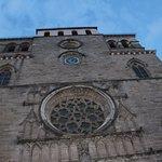 vu de la façade de la cathédrale