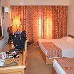 Photo of Hotel Real Palacio
