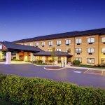 Holiday Inn Express & Suites Aurora-Naperville