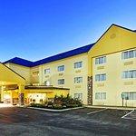 Photo of La Quinta Inn & Suites Knoxville Airport