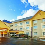 Photo of La Quinta Inn & Suites Knoxville Airport