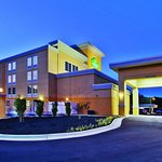 Photo of La Quinta Inn & Suites Knoxville Central Papermill