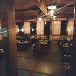 夕食を食べる大広間。隣に囲炉裏があって、そこでご飯をたべたかったけど、、