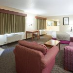 Americ Inn Duluth South Whirlpool Fireplace Suite