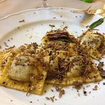Ravioli al tartufo con patate viola