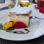 Cream cake