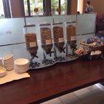 Continental breakfast in der Eingangshalle