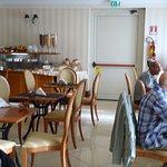 Una piccola sala ristoro per una ricca coazione