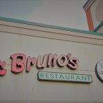 Фотография Mr Bruno's Pizzeria and Restaurant