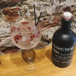 We 💚Gin ..... each one we have served as the distiller would want .... Sanction with pomegranat
