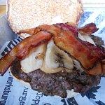 Hunka Hunka burger ... peanut butter, bananas & bacon