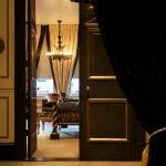 Entrance Sloane Suite