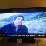 Locsl Msmmoh Channel, Program on Bears, Best Western Plus High Sierra Hotel, Mammoth Lakes, Ca