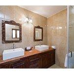 Superior room Washroom