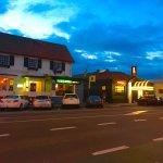 Local Restaurants walking Distance from Motel