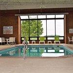 Photo de Comfort Inn & Suites Evansville