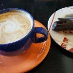 кофе и эклер