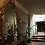 Photo de Club House Hotel