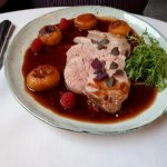 Eendeborst , frambozensausje en perzik (Breast of Duck with Raspberry Sauce)