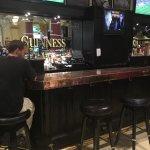 The Irish Embassy Pub and Grill Foto