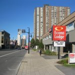 Looking west on Rideau Street across the front of this Econo Lodge. It is easy to find and park
