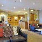 Lobby & Lounge Area - BW Glendower Hotel (12/Aug/17).