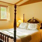 Evergreen Cottage bedroom