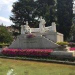 Donizetti Denkmal neben der Oper