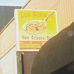 Foto de Les Sisters Southern Kitchen