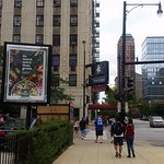 Photo de Travelodge Hotel Downtown Chicago