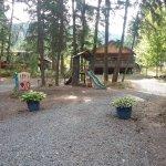 Pinegrove Campground and R.V. Park Görüntüsü