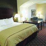 Foto de La Quinta Inn & Suites Macon West