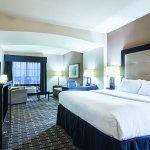 Photo of La Quinta Inn & Suites Mt. Pleasant