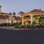 Photo of La Quinta Inn & Suites Phoenix Scottsdale