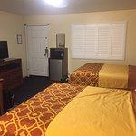 The Old West Inn resmi