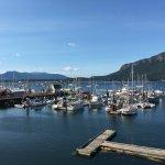 Photo de Oceanfront Suites at Cowichan Bay